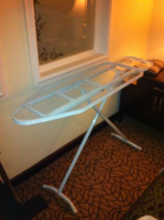 Lexington Gloria Hotel Doha: Ironing board provided by staff sans cover