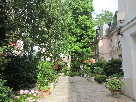 Hotel des Grandes Ecoles: Garden
