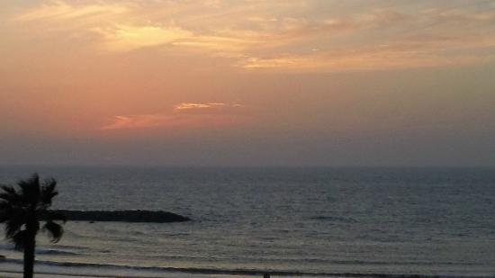 Carlton Tel Aviv: Our Last Sunset before leaving