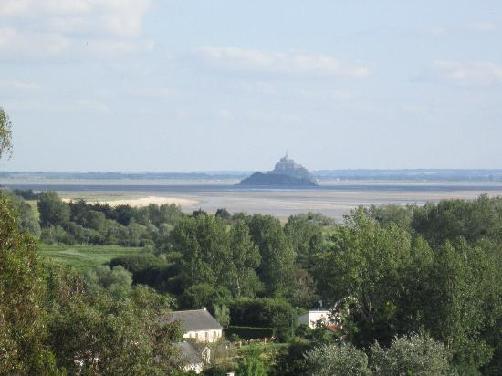 Chateau Les Hauts de la Baie du Mont Saint Michel: View of Mt.St. Michel