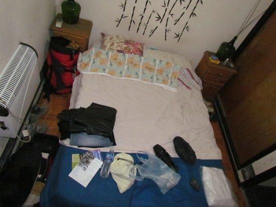 Hostel Huellas Andinas: Tamanho do quarto de casal