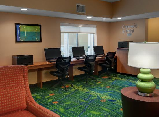 Fairfield Inn & Suites Seattle Bellevue/Redmond: Get your work done in our Business Center