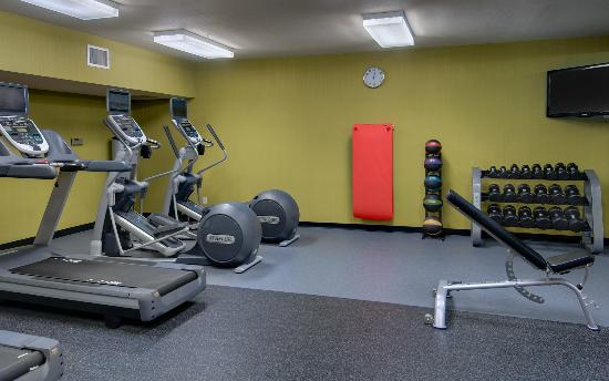 Fairfield Inn & Suites Seattle Bellevue/Redmond: Our Fitness Center features new, state of the art equipment
