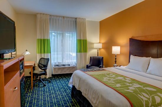 Fairfield Inn & Suites Seattle Bellevue/Redmond: King Room