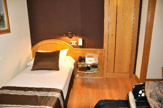 Zenit Dos Infantas: habitación individual, mínima