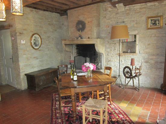 Le Clos de Clessé: Living Room