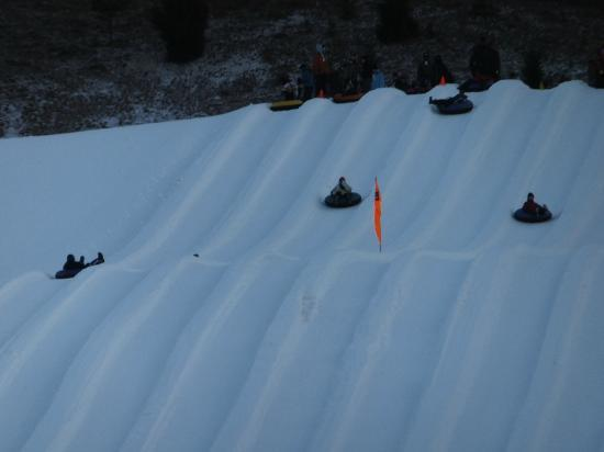 Mountainside Villas: Snow Tubing in January 2012