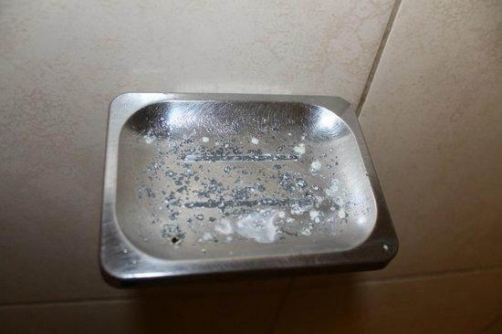 Avila Hotel: Bathroom, soap dispenser