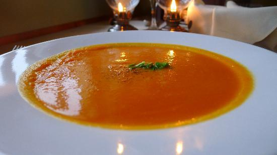 Twine Loft: Carrot/Orange Soup - Lacking depth of flavor