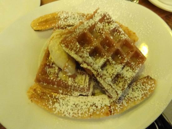 Brasserie Beck: Waffle & Banana something -dessert