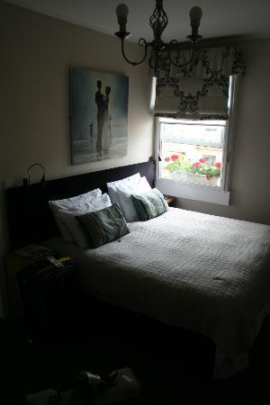 The Henry Guest House: Double bed room