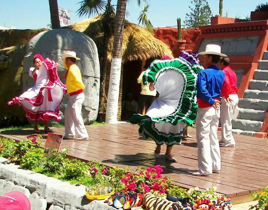 Old Mazatlan: Folkloric Dance