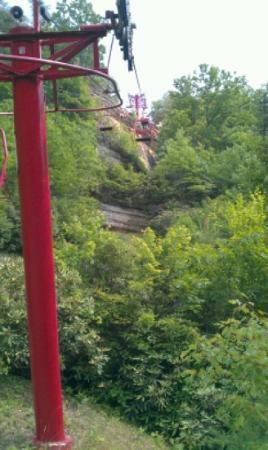 Li'l Abner Motel: Natural Bridge chair lift right down the road from Li'l Abners