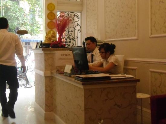Calypso Grand Hotel: Reception