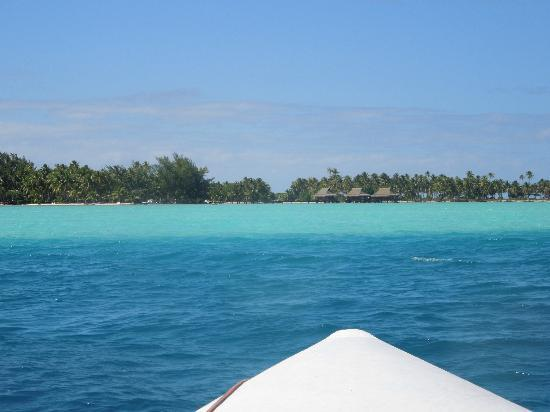 Vahine Island Resort & Spa: The colors of the lagoon