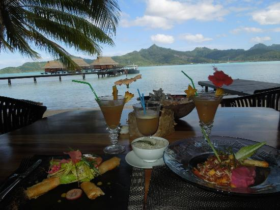 Vahine Private Island Resort: Lunch from beach bar