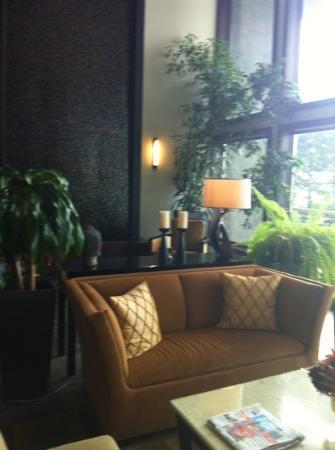 Whale Cove Inn: lobby