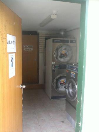 Flashpackers Hervey Bay: Laundry room