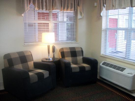 Extended Stay America - Fort Lauderdale - Cypress Creek - Andrews Ave.: Lobby area