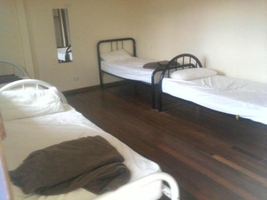 Flashpackers Hervey Bay: 4 bedroom A$25