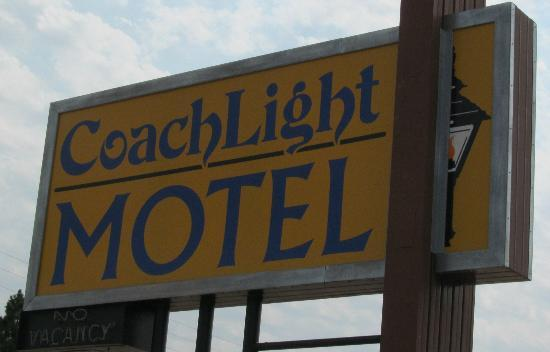Coachlight Motel: business sign