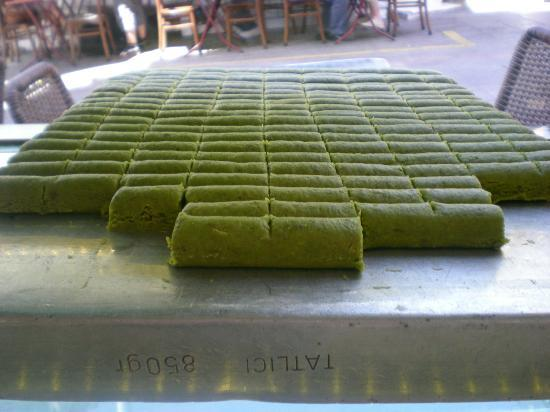 Turkish Flavours: DO NOT MISS THIS! Pistachio Marzipan. Buy some to bring home!