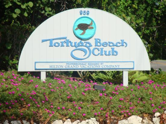 Tortuga Beach Club Resort: Entrance Sign