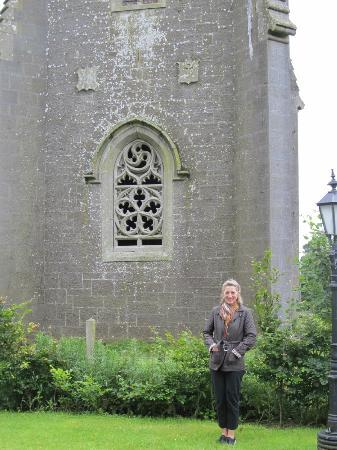 Blanchville House: Friend in front of the Folly.