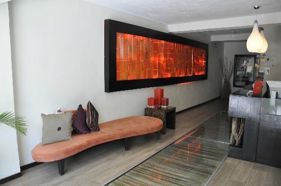 Hotel El Punto: Recepcion