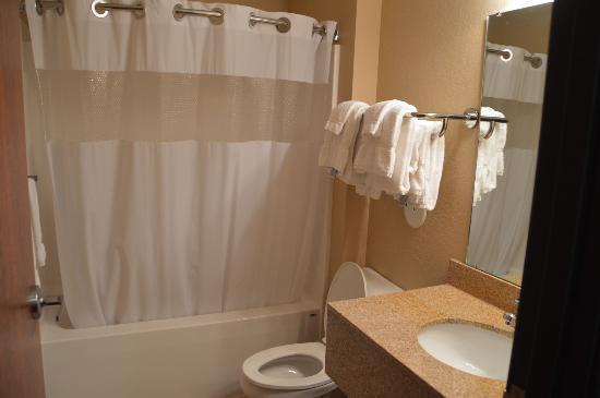 Green Acres Motel: Clean, clean, clean