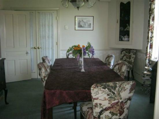Hillcrest Bed & Breakfast: Hillcrest Dining Room