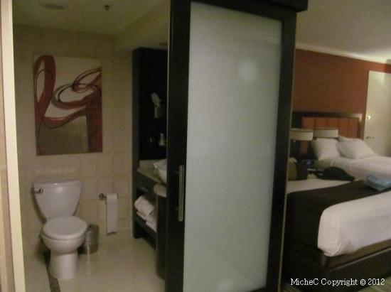 Golden Nugget Atlantic City: Bathroom