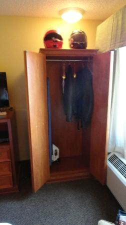 Sleep Inn Barstow on Historic Route 66: No closet, but nice wardrobe cabinet