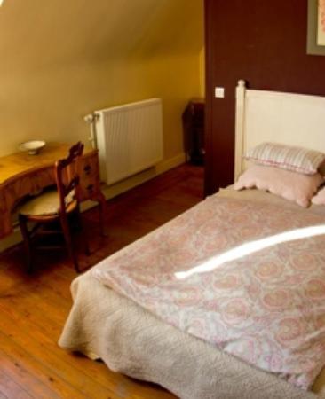 Maison du Sart Chambres d Hotes : Lit chambre de la Lys - Maison du Sart - Lille