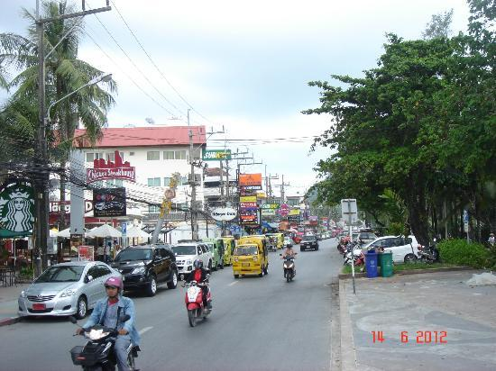 Banthai Beach Resort & Spa: on the street in front of the hotel