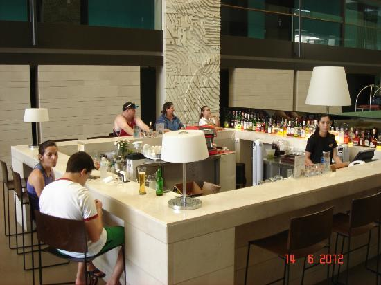Banthai Beach Resort & Spa: the hotel's bar