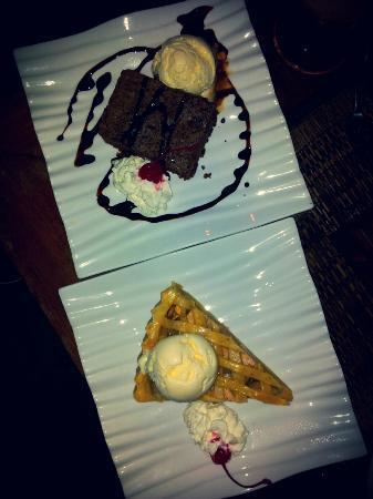 Kafe Bunute: Apple pie & brownies