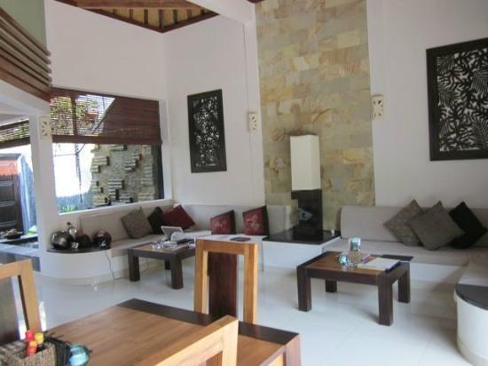 Villa Teman: Spacious open plan living area