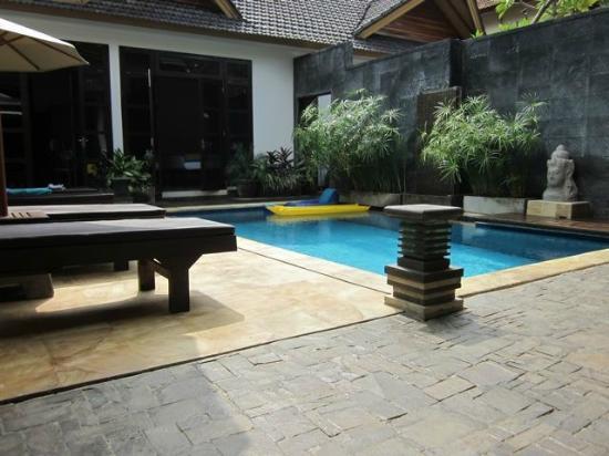 Villa Teman: Enjoy a relaxing dip