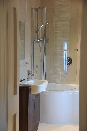 The Elveden Inn: Luxury bathroom to unwind