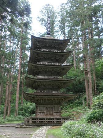 Mt. Haguro : 国宝・五重塔
