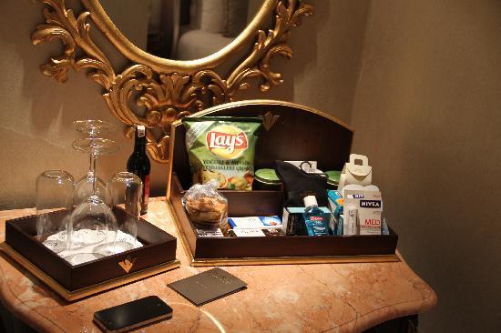 Rixos Pera Istanbul: mini bar +