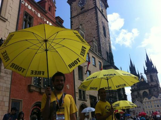 Discover Prague Tours : The starting point, in front of the Astronomical clock.