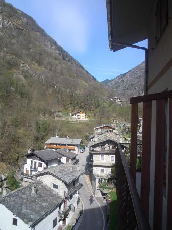 Albergo Ristorante Chez Isabel: Vista dalla finestra
