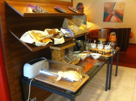 Hotel Alpha: Frühstück