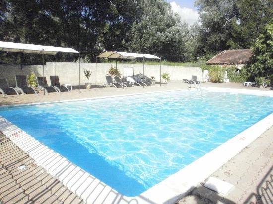Hotel Le Saint Marc: rustig genieten in het groen aan 't zwembad