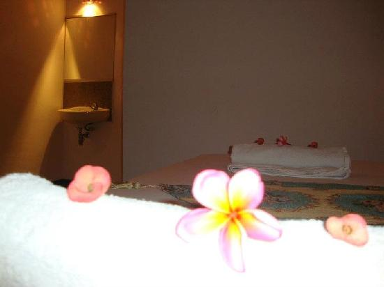 Coral Voice Home Stay and Bar: double bed