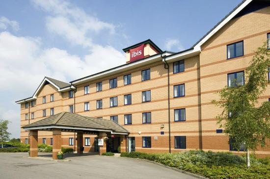 Ibis Rotherham East: Exterior of hotel