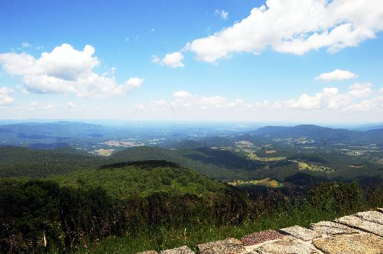 Mathews Arm Campground: Skyline Drive View