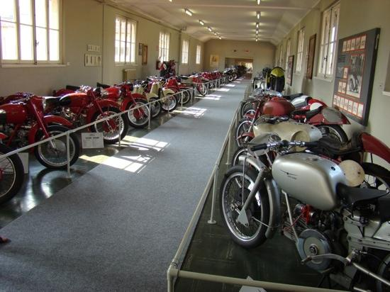 Museum Moto Guzzi : Moto Guzzi Museum